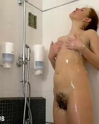Candy crimson gets her unshaved snatch off in the shower