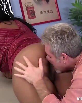 Hard fuck ebony fat ass