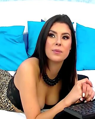 AishaDevereaux from CamSex69TV waiting for you