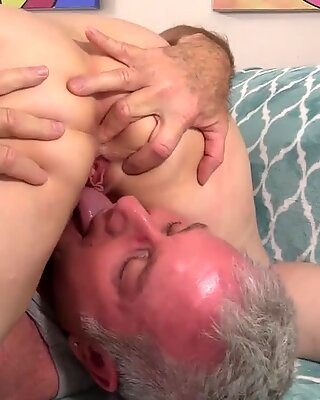Charming Juicy GILF Penny Sue Works Her Magic on an Old Cock