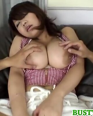 Mkiu shows off in her sexy lingerie