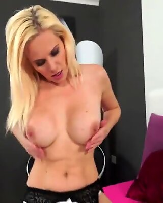 Very hot Mother fucks a good penis