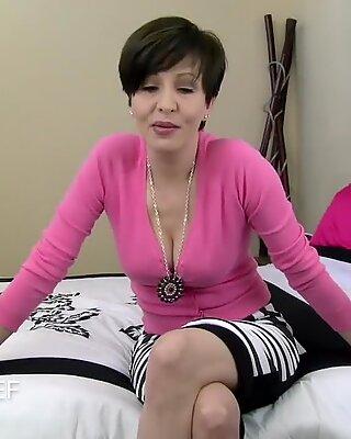 Sophie's mother - Mrs Mischief magnificent cougar pov seduction dirty talk