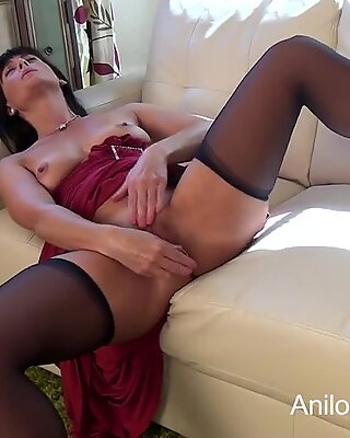 very first time porn mother fucks her needy cooch