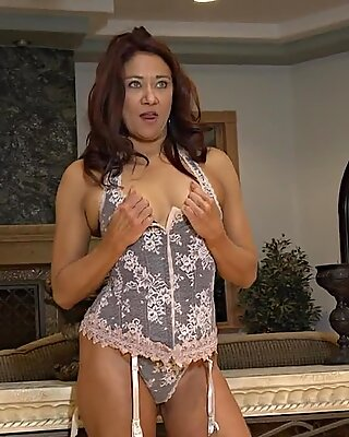 Naked Housewife At Photo Shoot